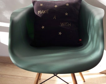 """""""Make a wish"""" Plum linen decorative cushion gold stars"""
