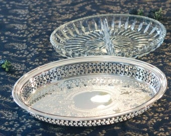 Oneida Silver Plate Gallery Tray - Divided Glass Insert - Oval Chased Serving Tray - Pierced Sides