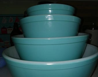 Pyrex Bowls Set of 4 Turquoise *****FREE Shipping