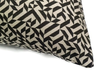 "Knoll Textiles - Anni Albers ""Eclat Weave"" black - Modern accent pillow - 17"" x 17"" feather/down insert included"