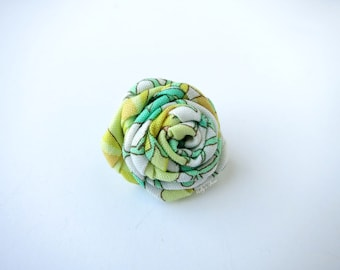 Spring Green Rose Boutonniere - Men's Lapel Pin - Buttonhole -  Hand Rolled Fabric Flower Brooch - Suit Pin