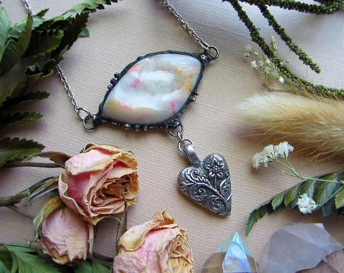 """Necklace """"Happiness"""" with Druzy Agate and floral heart pendant with proverb """"Some pursue happiness, others create it"""". Custom length chain."""