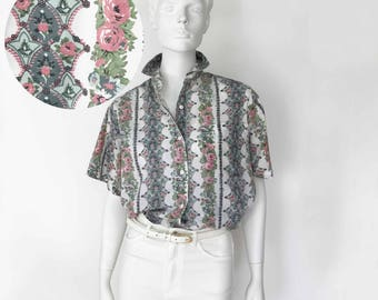 The County Fair in Alabama Vintage 80s Shirt Ditzy Floral White Cotton Short Sleeve Blouse Top Button Down Womens
