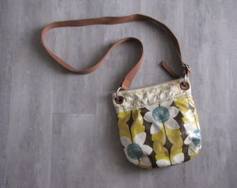 Vintage Fossil Canvas Messenger / Cross Body Bag / Purse in yellow floral