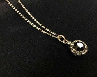 Necklace green cabochon pendant