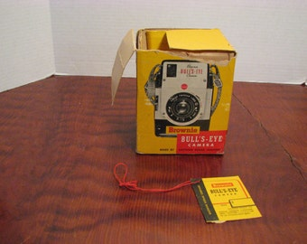 Vintage Kodak Brownie Bulls-Eye Camera