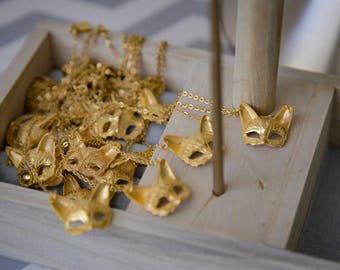 Sofvía The Sophisticated Venetian Cat Mask Necklace