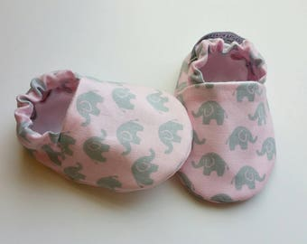 Baby Booties, Baby Gifts, Pink Elephant, Animal Crib Shoes, Baby Moccs, Baby Shoes, Baby Booties, Baby Girl Slippers, Elephant Baby Slippers