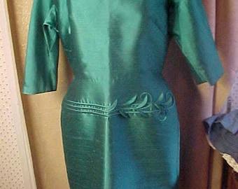 Vintage Green  Dress. Round Neck, Applique on Skirt, Large  #2255