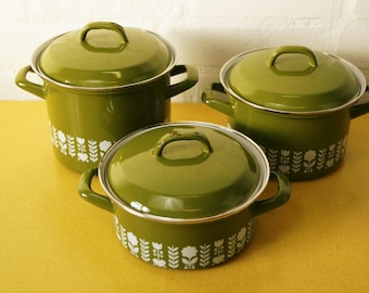 Set of 3 vintage enamel pans