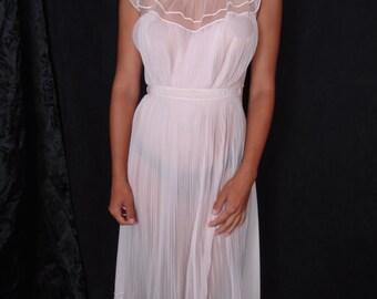 Vintage Vanity Fair Nylon Nightgown Delicate Accordion Pleats Satin Bow Tie Size Small