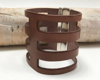 Wide Tan Leather Cutout Cuff with Magnetic Silver Tone Clasp,Statement Leather Cuff, Extra Wide Leather, Tan and Silver,Minimalist Modern