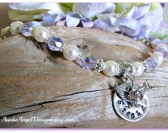 Stamped Pet Angel Wings Bracelet, Custom Pet Angel Bracelet, Personalized Pet Sympathy Bracelet, Loss of Pet Jewelry, Custom Pet Sympathy