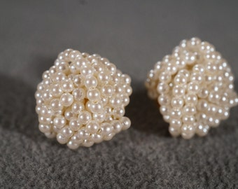 Vintage Art Deco Style Yellow Gold Tone Faux Pearl Round Knotted Design Post Style Pierced Earrings Jewelry -K#20