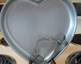 Heart shaped cake pan, heart shaped cookie cutter, heart cake pan and cookie cutter, Wilton heart  cake pan, vintage heart cookie cutter