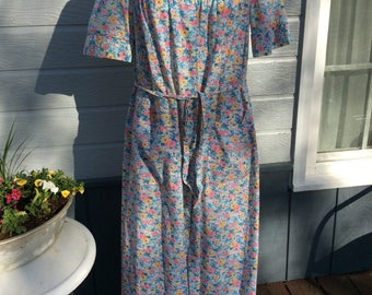 Vintage housecoat with pockets, floral, Sears brand