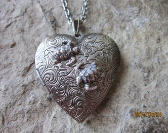 Choose Antiqued Silver or Silver - Sea Turtle (s) Heart Locket!!! High Quality - Tortoise - Turtle - Vacation - Cruise - Photos, Keepsakes