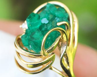 Vintage Chatham Emerald Crystal Ring with Diamond in 14kt Yellow Gold