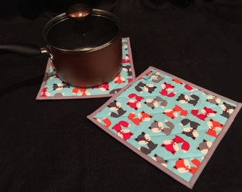 Fox Quilted, Insulated Pot Holder Set