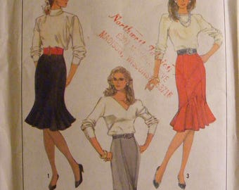 Misses' Trumpet / Ruffle Skirt Uncut Simplicity Sewing Pattern 8306 Size 10 12 14