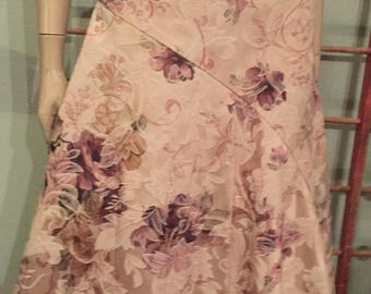 Beautiful Pink Floral Tapestry skirt with tulle lining by Necessary Objects / size 2