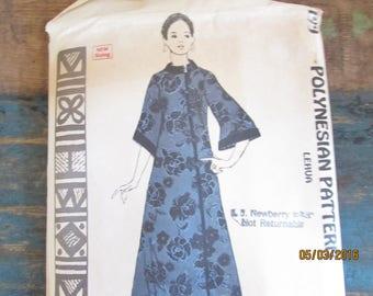 Vintage Polynesion Pattern size 12 lehua Hawaiin  long maxie dress retro dress mod dress