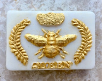 """Soap """" Bee Queen """" Weight 5 Oz. Fragrance Honey. Packaged Nicely For Gift Giving. Hande made with Kaoline Clay and Vit. E"""