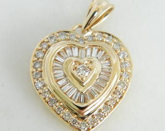 Beautiful 14K Gold & Diamond 1.0 Total Carat Diamond Pendant