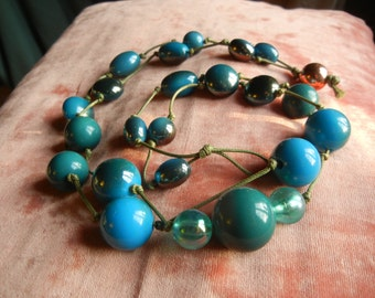 blue beaded necklace blue beads