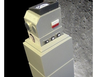 Space 1999 commlock and holder prop 1:1 scale retro scifi model kit cosplay / display by century castings