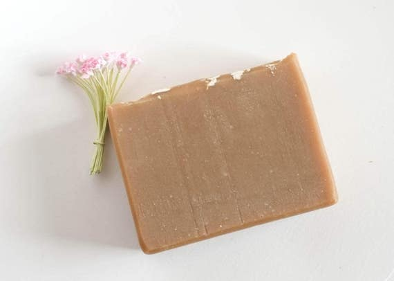 ROCCO | 5oz | Hemp and Olive Oil Topped with Oatmeal | Moisturizing Bar