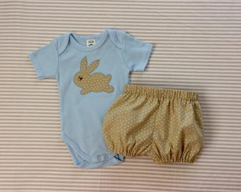Baby boys  outfit, bloomers and bodysuit set, bunny applique, handmade size 3-6 months .
