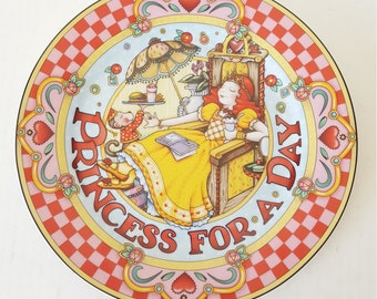 Mary Engelbreit Princes For A Day Dinner Plate, Enesco Group For Collectable, Replacement, Dinner Party, Tea Party, Luncheon,