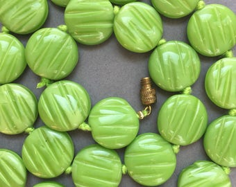 1930's Green Satin Glass Discs Beads Necklace