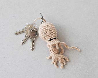 Octopus keyring, beige
