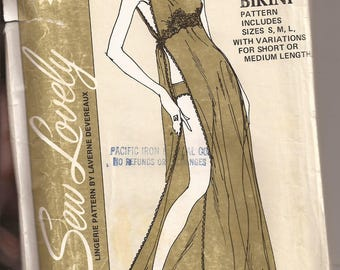 Sew Lovely G803 Toga Gown with Bikini. Sizes S-M-L. Vintage 1970