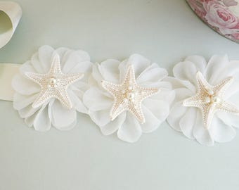 Shell Bridal Sash, Beach Wedding Sash, Bridal Sash, Ivory Belt, Starfish bridal sash, Shell Wedding Dress, Beach Bridal Sash, Seashell sash