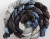 BFL Milchseide,Runen Hagalaz,handbemalte Fasern zum Spinnen,120g Kammzug