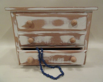Chest; Jewelry Box/Chest/Organization, Trinket Box/Chest/Storage