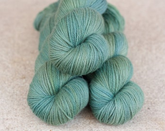 Hand dyed natural Baby Alpaca and Merino yarn - 4ply - 100 grams - 225m/246 yards - OOAK green