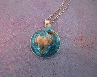 Glitter Blue Shell Necklace