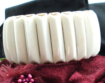 WHITE LUCITE BRACELET Expansion Wide Funky Stretchy