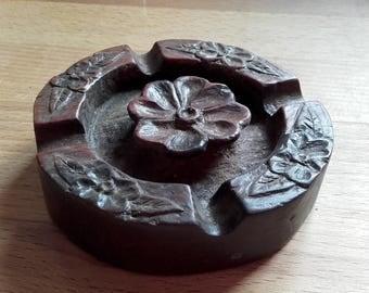 Vintage Arts and Crafts Era Carved Wood Dog Rose ashtray turn of the century