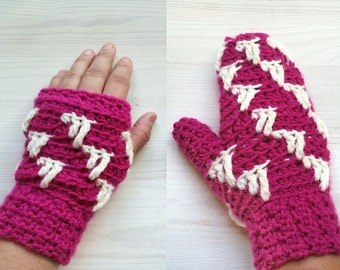 "Pattern - Mittens and Wristwarmers ""Icicle"""