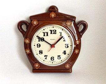 Vintage Clock Kitchen Wall Clock German Pottery Brown Pot Shaped Quarz /  Ref1263