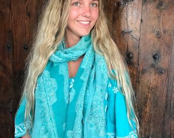 Cosy merino wool shawl in ocean blue turquoise design