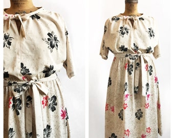 Café au lait handmade pink, red and black floral everyday dress with elastic waist. Size XL.