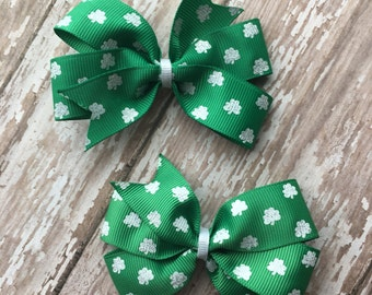 St. Patrick's Day Hair Bow - St. Patrick's Day Bow - St. Patrick's Bow - St. Patrick's Hair Bow - Green Hair Bow -Clover Hair Bow