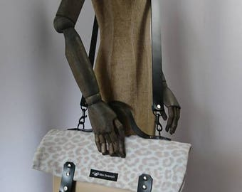 Super chic bag in fine leather mix beige