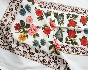 Vintage cotton print tablecloth with roses